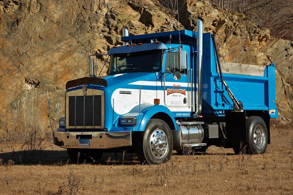 thump_truck_kenworth_drag_racing_dump_truck01