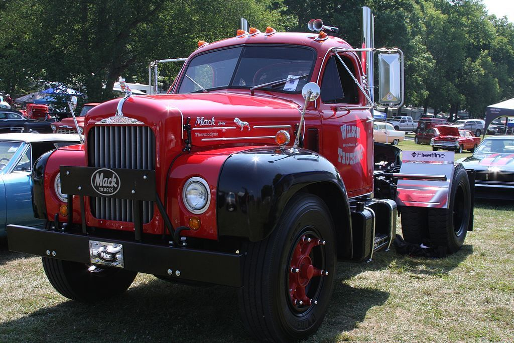 2012_holley_nhra_national_hot_rod_reunion_vintage_trucks_gmc_chevy_mack_ford_dodge_international02