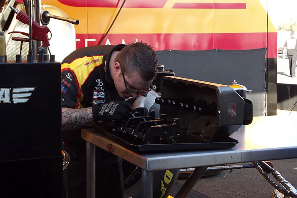 nhra-winternationals-behind-the-scenes-2012-friday-060