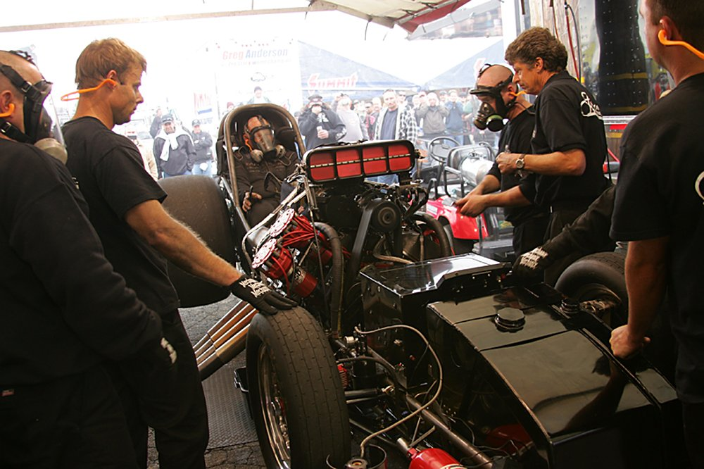nhra-winternationals-behind-the-scenes-sunday-2012-116