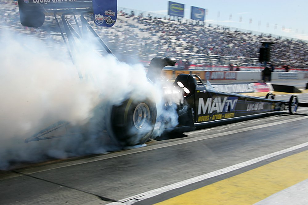 nhra-winternationals-pro-stock-funny-car-top-fuel-2012-friday-070