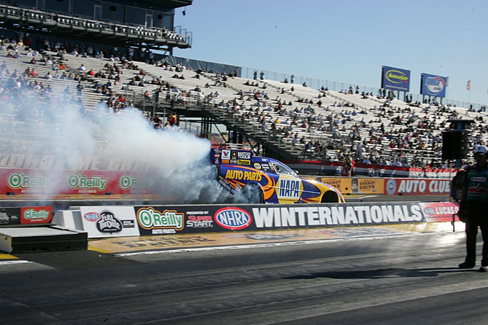 nhra-winternationals-pro-stock-top-fuel-funny-car-2012-054