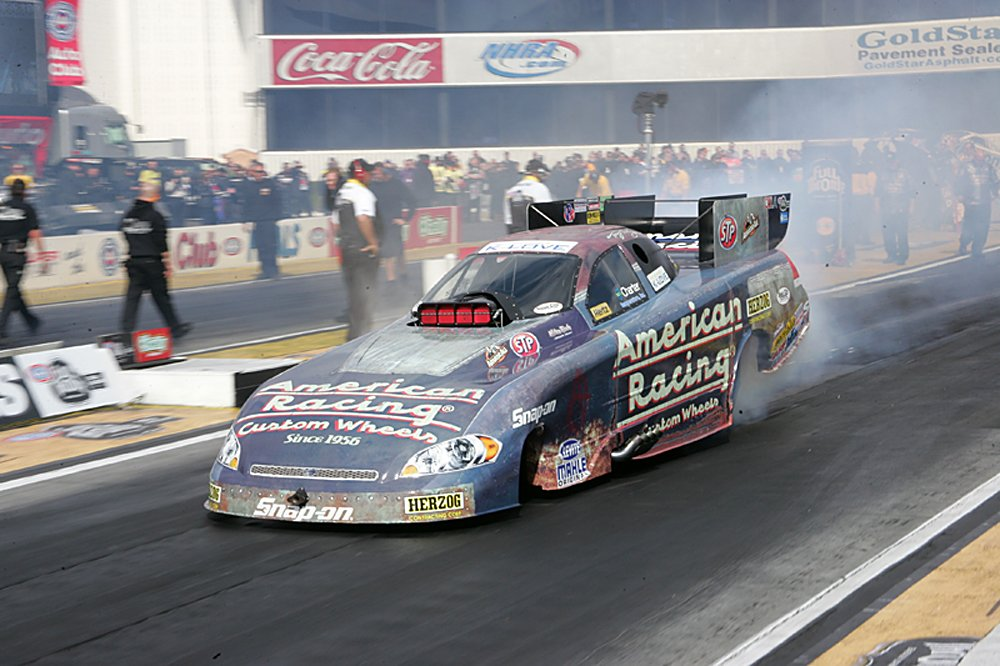 nhra-winternationals-pro-stock-funny-car-top-fuel-action-saturday-2012-027