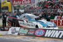nhra-winternationals-pro-stock-funny-car-top-fuel-action-saturday-2012-040