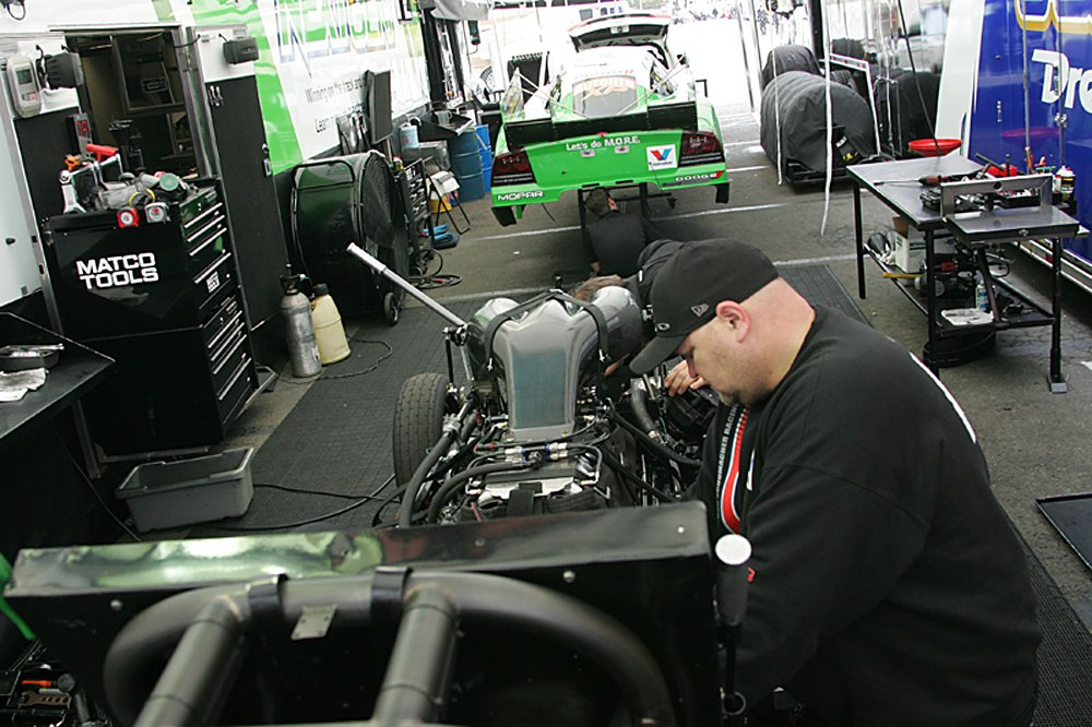 nhra-winternationals-behind-the-scenes-saturday-2012-065