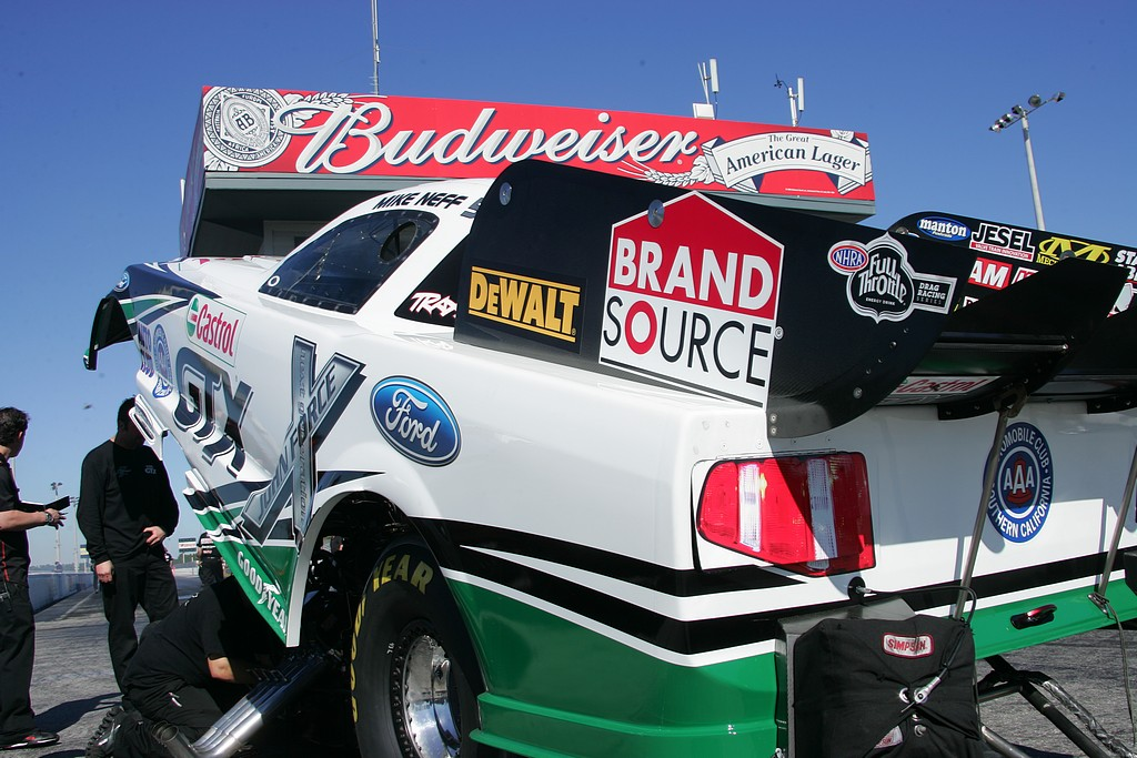 pro_winter_warm_up_2012_funny_cars_thursday019
