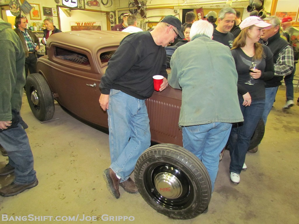 rolling_bones_hot_rods_garage_night085
