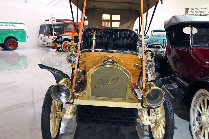 1905 Buick Model C Engine: 159 cid, 22 hp, Base price $1200