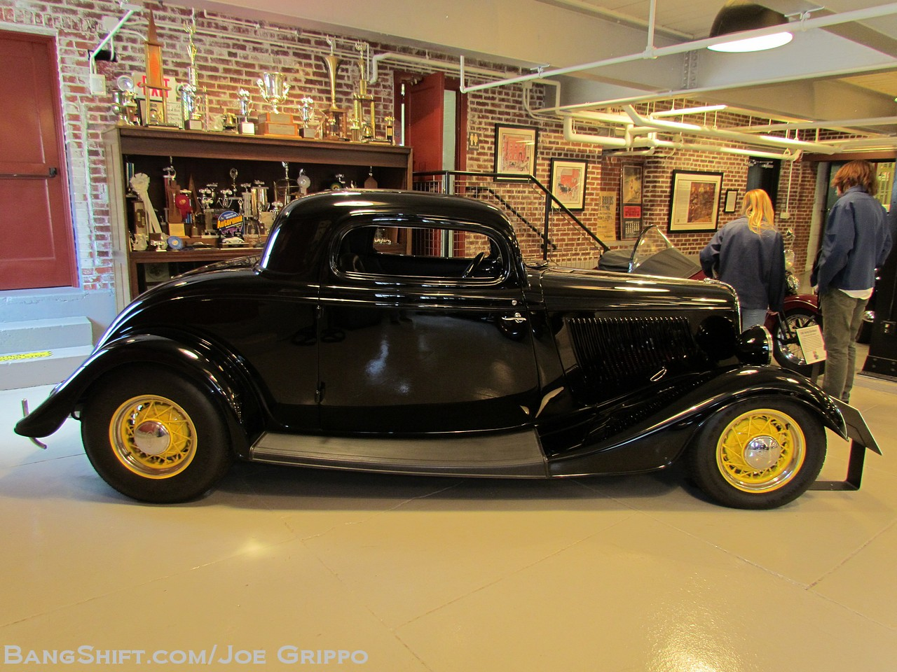 gallery 3dog garage open house america 39 s greatest ford hot rod collection. Black Bedroom Furniture Sets. Home Design Ideas