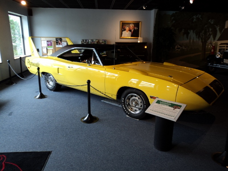 2011_northeast_classic_car_museum_august_001.jpg