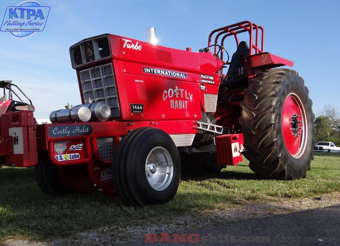 Pro Stock Pulling Tractors : Bangshift ktpa pulling