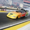 nhra-winternationals-pro-stock-funny-car-top-fuel-action-saturday-2012-033