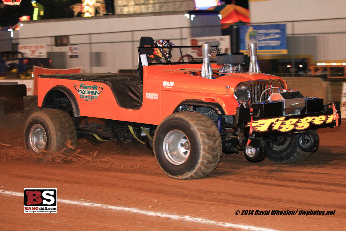 Truck and tractor pulling