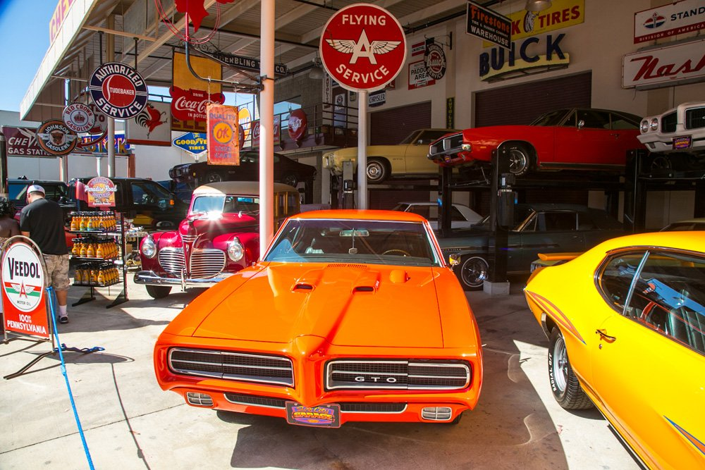 Event coverage surf city garage car show for Garage auto tours