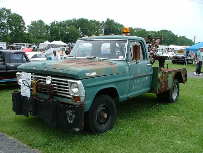Ford tow truck