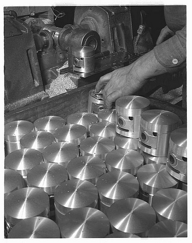 Milling Jeep pistons
