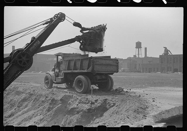 Shovel loading dump truck