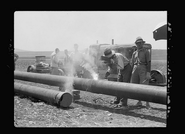 Welding gas/oil pipe in Iraq after the turn of the 20th century