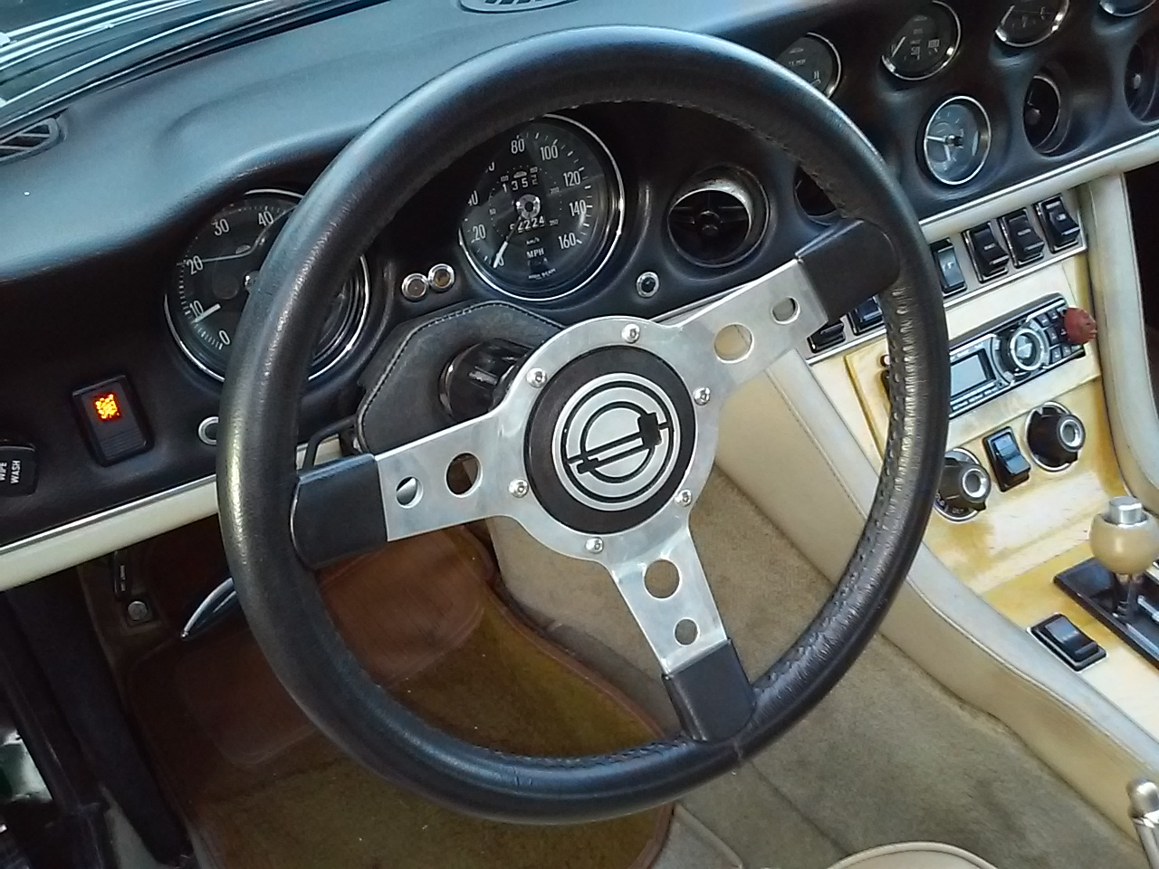 Click image for larger version  Name:9272 steering wheel 2.jpg Views:1 Size:405.0 KB ID:42162