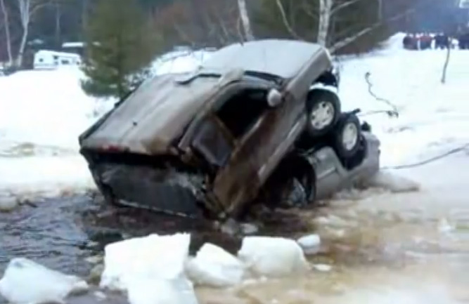 Best of 2014: Awesome Video: A GM Truck Folds In Half Like A Wet Cardboard Box