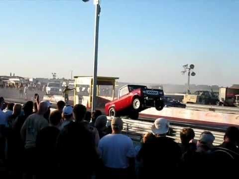 Watch a Wild International Scout Gasser Pull Huge Wheelies on the Strip
