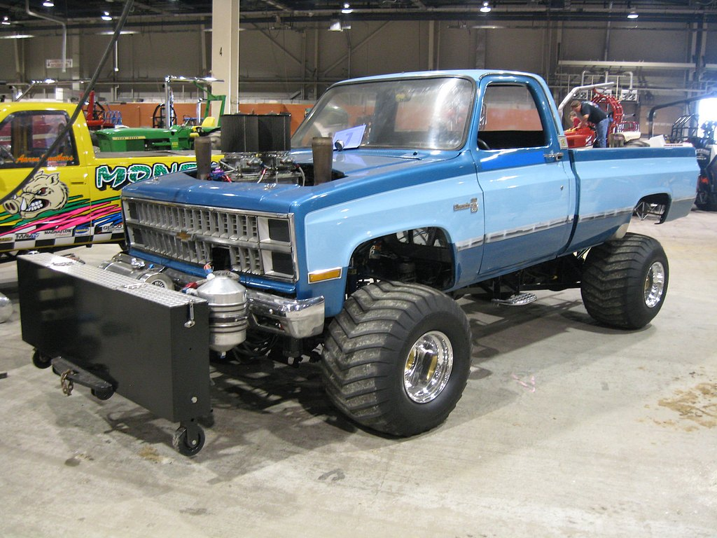 Event Gallery: The 2012 Keystone Nationals Truck and Tractor Pull – Harrisburg, PA