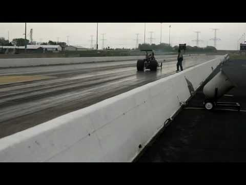Watch a Triple Turbocharged DT466 Diesel Powered Dragster Run Down the Strip – Smoke A-Plenty!