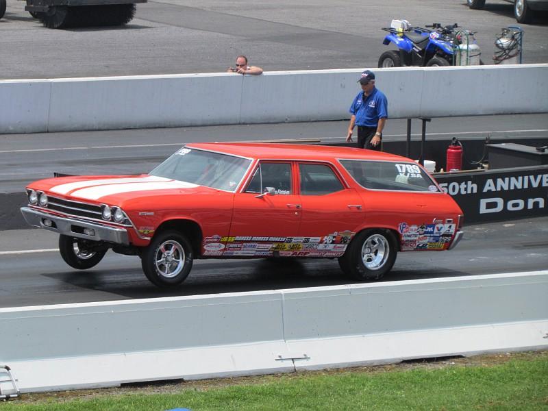 Tire Smoking,Wheelstanding, Drag Gallery: NHRA Division One Sportsman Action From Maple Grove