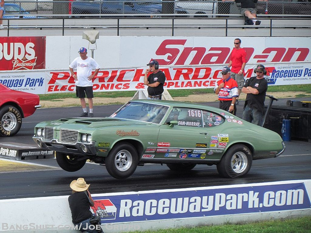 Drag Gallery: Stock and Super Stock Action From the NHRA Divisional Race At Englishtown