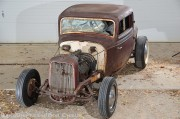 Francis_Fortman_and_Kenny_Kerr_barn_find_1932_Ford05