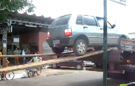 Video: Tow Trucks Are For Wussies In Whichever Foreign Country This Video Was Filmed