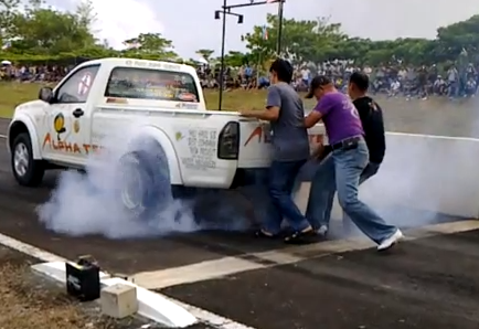 Drag Video: Watch A 4-Cylinder, Stick Shift, Diesel Truck Rip Off An 11-Second Run In Thailand!