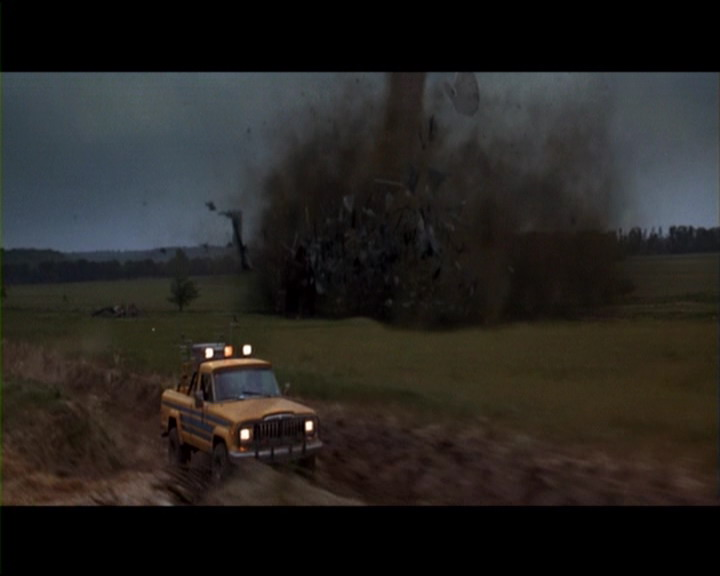 Celebrity car death match the 1982 jeep j10 for Twister cast