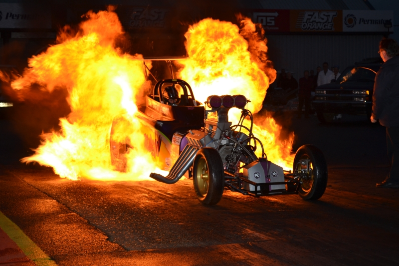 WATCH LIVE NOSTALGIA DRAG RACING FROM SANTA POD RIGHT NOW!