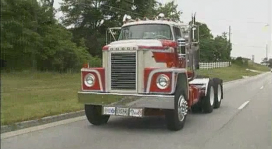 Fun Big Rig Video: Jamming Gears in an Ultra Rare 1973 Dodge 900 Big Rig