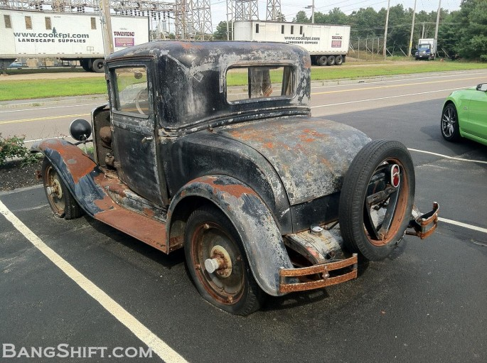 1929_Chevy_Coupe_roadside_find2