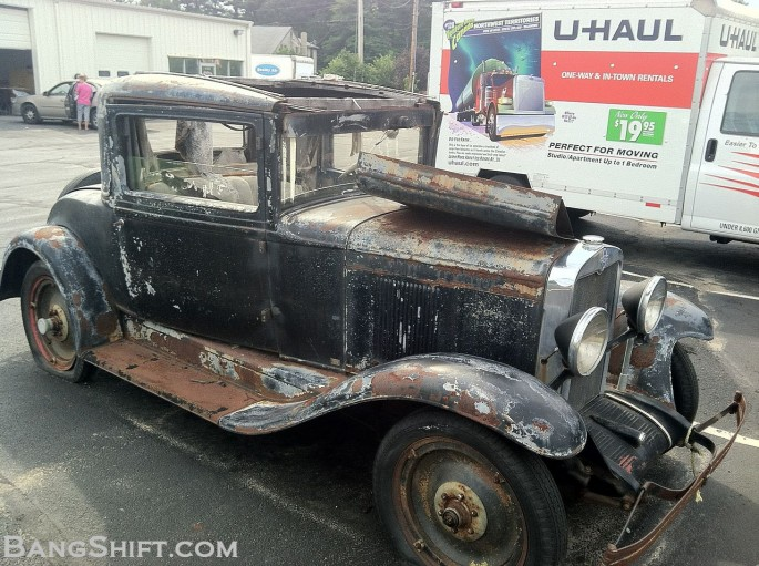1929_Chevy_Coupe_roadside_find5