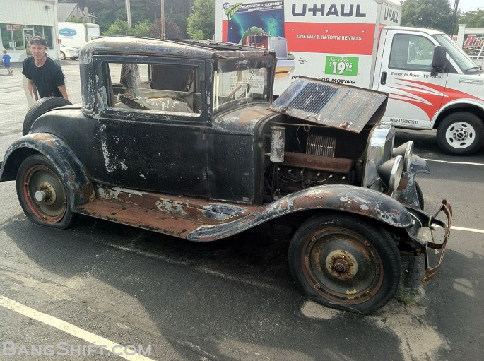 1929_Chevy_Coupe_roadside_find8