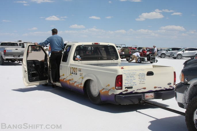 Bonneville_Speed_Week_2013_SCTA_Hot_Rod_Salt_BNI_Coupe_Monza_Streamliner_race_car01