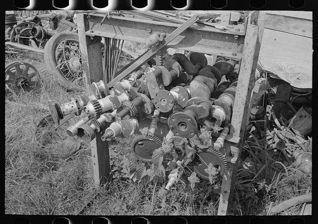 Gearhead Americana: Amazing Photos Of Junkyards And Car Crashes 1930-1942 From The Library Of Congress Archive