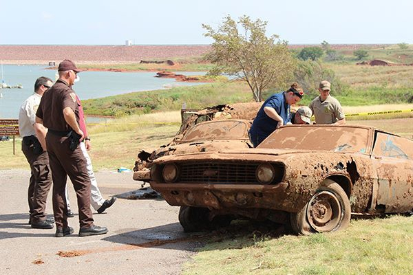 1969 Camaro Dragged From Bottom Of Oklahoma Lake Full Of Corpses – 1950 Chevy As Well! Creepy News!