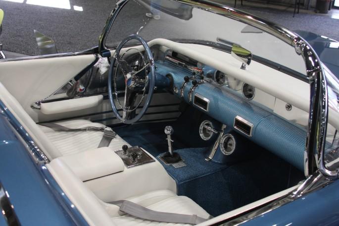 Buick 1954 Wildcat II recreation 245