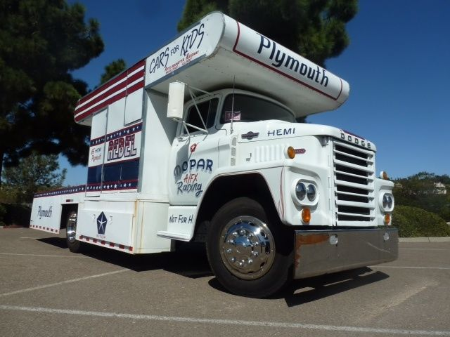 """Ford Louisville racing car hauler """" tribute to Caroll Shelby """" Terminé  - Page 2 Dodge1"""
