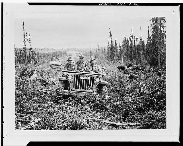 AWESOME GEARHEAD AMERICANA PHOTOS: JEEPS, LOGGING TRUCKS, CAR DEALERSHIPS, STEAM SHOVELS, AND WELDING FROM 1900-1940