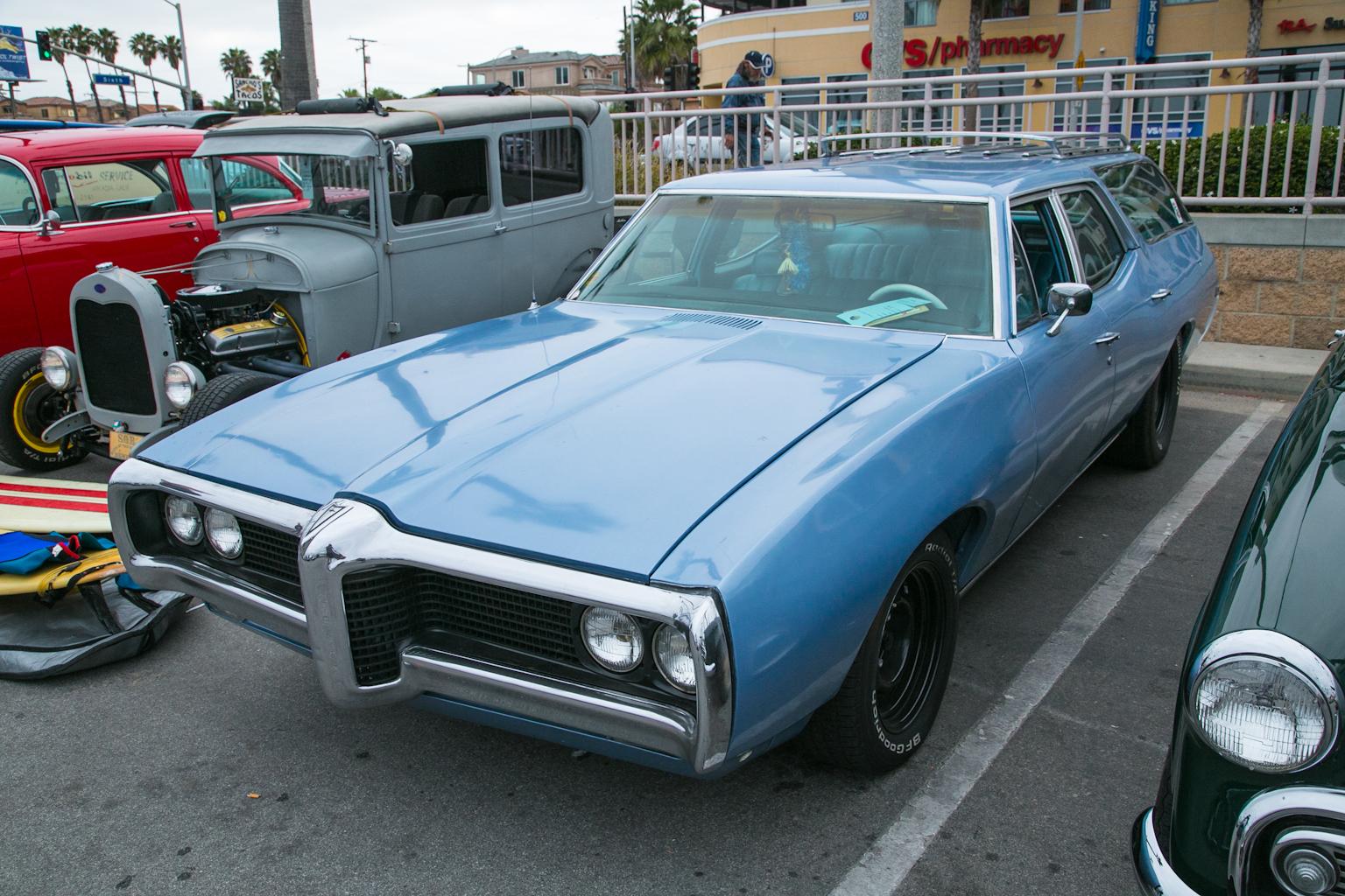 Car Show Gallery: The 14th Annual Beachcruiser Meet At Huntington Beach, California