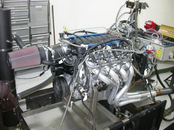 Run in stock trim with headers, the LS1 crate motor produced 414 hp at 5,800 rpm and 418 lb-ft of torque at 4,700 rpm.