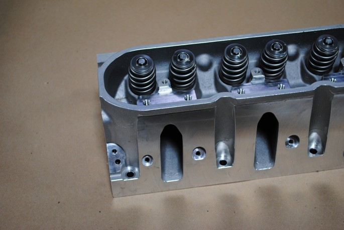 The RHS LS heads featured 225 cc intake ports that flowed over 300 cfm.