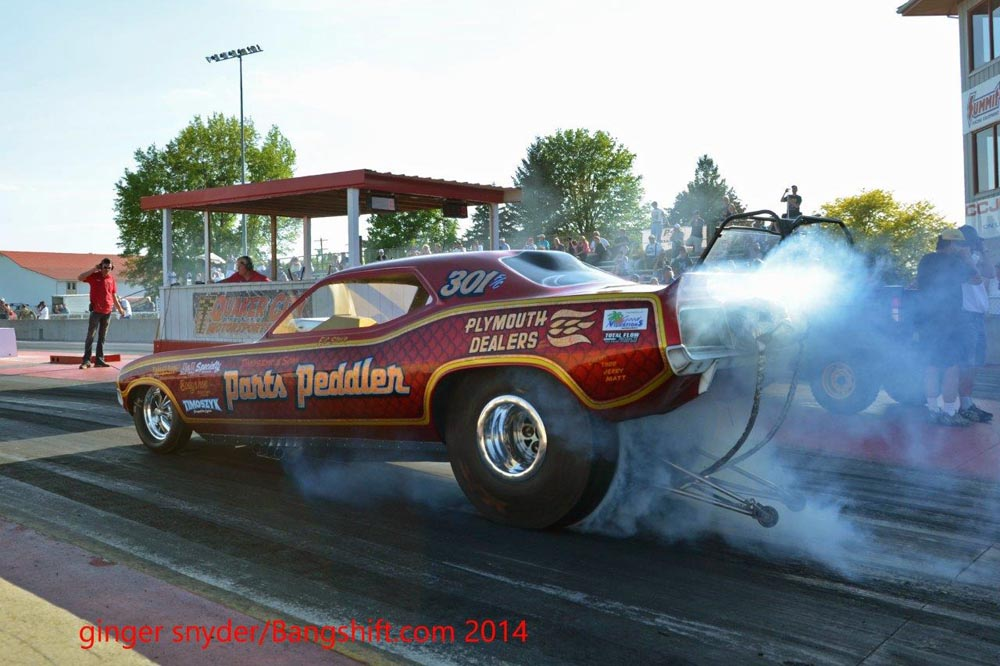 Great Lakes Nostalgia Funny Car Circuit Hits Ohio's Quaker City Dragway – Classic Funny Car Action Photos!