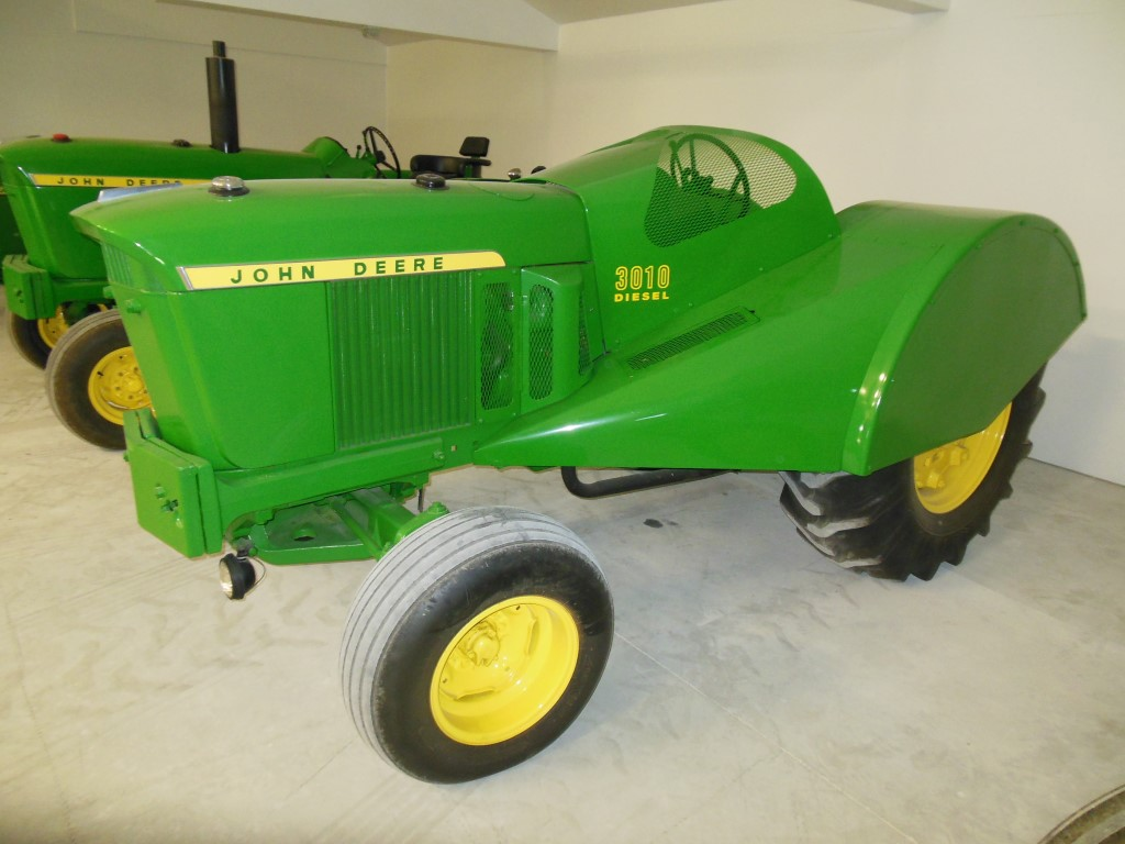 Huge Tractor Auction This Weekend In Oregon – One Of America s Biggest  Collections Of John Deere 46df2fbbd