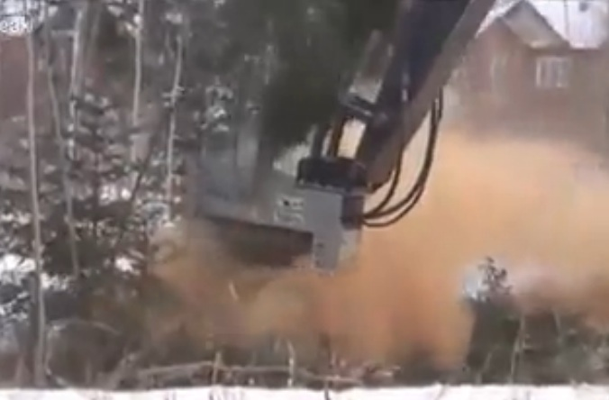 Do You Love Trees? If So You're Totally Going To Hate This Machine That Literally Vaporizes Full Sized Ones In Seconds